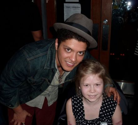 bruno mars makeup. Pics Of Bruno Mars With His